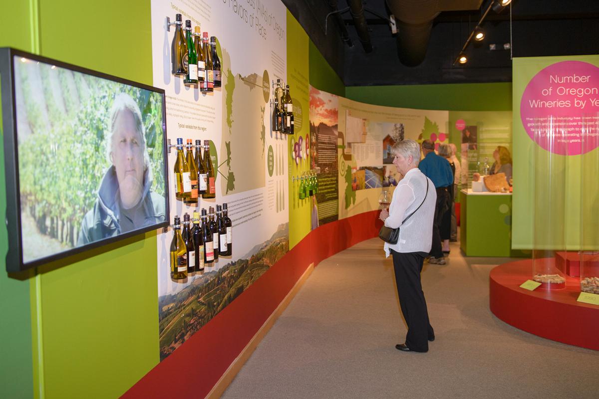 Clink! exhibit photos 600 x 400 144dpi 12
